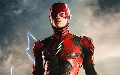 Filmový Flash s Ezrom Millerom opäť raz prišiel o režiséra. Posunie sa kvôli tomu natáčanie aj samotná premiéra?