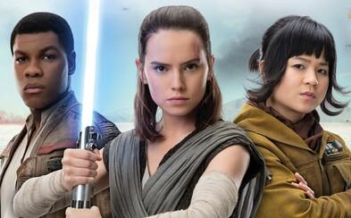 Finn, Rey a rebelka Rose pózujú na novej fotke zo Star Wars: The Last Jedi
