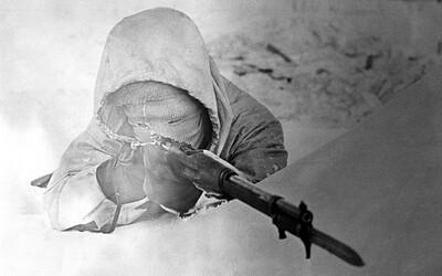 Fínsky ostreľovač Biela smrť zabil počas vojny stovky Sovietov. Nikto ho nedolapil a pokojne sa dožil aj 21. storočia