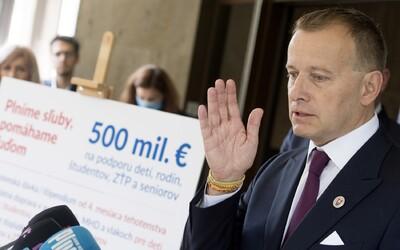 Firma Borisa Kollára uzatvorila zmluvu so štátnym Tiposom za 240-tisíc eur. Smer a Dobrá voľba za to predsedu parlamentu kritizujú