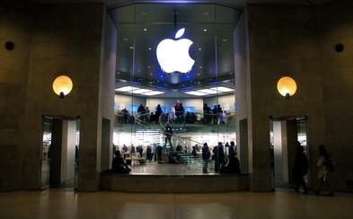 Firme Apple opäť klesli zárobky, nedarí sa ani predaju iPhonov. Čísla sú však stále lepšie, ako odhadovali analytici
