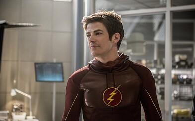 Flash opäť raz útočí. Tentokrát však odhaľuje aj zákulisie natáčania