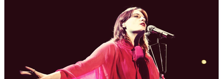 Florence and the Machine je späť so singlom How Big, How Blue, How Beautiful