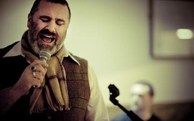 Folker Paul Armfield spojí v Bratislave sily s Longitalom a Katarziou