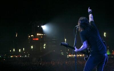 Foo Fighters přihazují další flák z nového alba