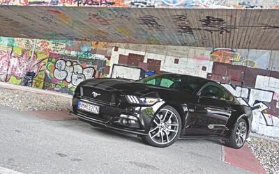 Ford Mustang GT: Americká kultura přichází po 50 letech do Evropy zamíchat karty (Test)