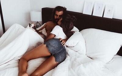 Ford navrhl postel, která přítelkyni nebo přítele přesune zpátky na jeho půlku, když se začne roztahovat