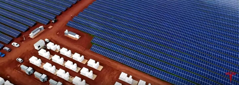 Fosilní paliva nás opouštějí. Tesla vybavila ostrov na Havaji tisícovkami solárních panelů a stovkami baterií
