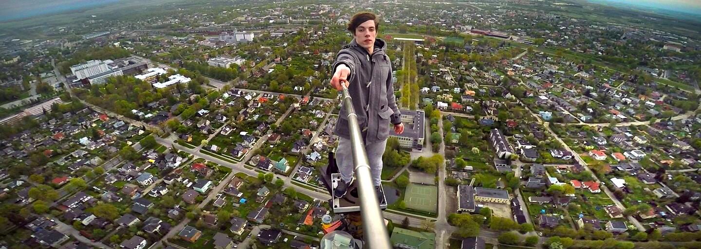 """Fotky s odisteným granátom či s pišťoľou pri hlave viedli k smrteľným nehodám. Rusko rozbieha kampaň za """"bezpečnejšie selfies"""""""