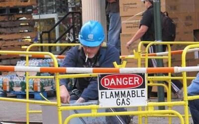 Fotky zachytené v momente, kedy bezpečnosť pri práci nebola prvoradou
