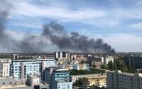 FOTO a VIDEO: V Bratislavě vypukl obrovský požár, v plamenech je celá budova