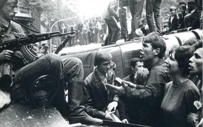 FOTOGALERIE: Prohlédni si dobové snímky ze srpnové invaze 1968 od pamětníka Antonína Chloupka
