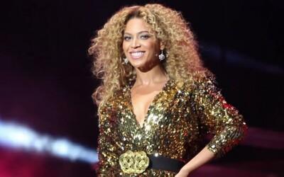Fotograf sa vkradol na Glastonbury či odovzdávanie Grammy, dokument z backstagu veľkých festivalov v prvom traileri