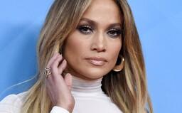 Fotograf žaluje Jennifer Lopez, kvôli fotke, na ktorej je ona sama. Chce od nej 150-tisíc dolárov