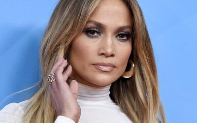 Fotograf žaluje Jennifer Lopez kvůli fotce, na níž je ona sama. Chce po ní 150 tisíc dolarů