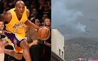 Fotografie z miesta nehody ukazujú momenty po páde helikoptéry, v ktorej prišiel o život Kobe Bryant