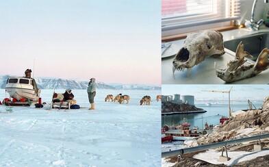 Fotografie zachytávajúce život v Grónsku ti ukážu prvky moderného, ale aj tradičného života miestnych ľudí