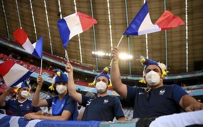 Francúzski fanúšikovia si pomýlili Budapešť a Bukurešť, zápas svojho národného tímu museli napokon sledovať v telke