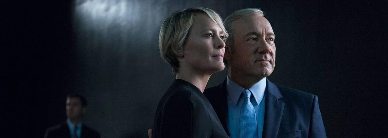 Frank a Claire sa v piatej sérii House of Cards púšťaju do svojej najnebezpečnejšej hry vôbec. Je to však kvalitné a zábavné? (Recenzia)