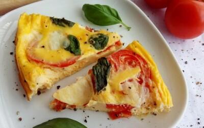 Frittata je úžasný taliansky štýl jedla podobný omelete a my ti prinášame chutný variant bez sacharidov (Recept)