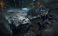 Frustrácia, hektolitre krvi, nekončiaca zábava a strašidelná atmosféra, to je Bloodborne (Recenzia)