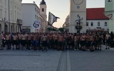 Futbaloví hooligans vyčíňali v uliciach Trnavy. Polícia riešila výtržníctvo vysokými pokutami a pomohla budúcim rodičom