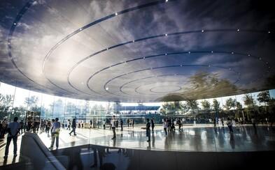 Futuristické divadlo Steva Jobsa vyzerá nádherne. Pozrite si jeho impozantné detaily