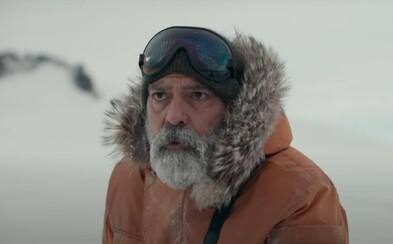 George Clooney je poslední žijící muž na Zemi. Epické sci-fi s cestováním ve vesmíru a katastrofou na planetě uvidíme na Netflixu