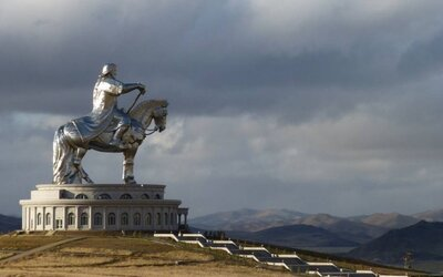 Gigantická socha Čingischána ťa ohromí majestátnosťou
