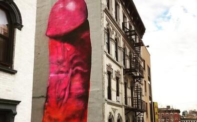 Gigantický penis ozdobil budovu v New Yorku. Po pár dnech ho nechali přemalovat
