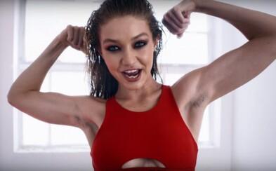 Gigi Hadid šokovala vo videu fanúšikov. Vraj si neoholila podpazušie, v skutočnosti však za všetko môže bunda