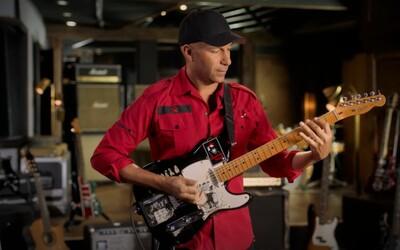 Gitarista Tom Morello vyzýva na pomoc pri evakuácii ženských hudobníčok z Afganistanu