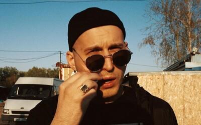 Glebov najosobnejší album je vonku. Raper kodifikuje nový žáner Gauč n Bass a odhaľuje skutočné príbehy zo svojho života