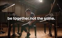 Google se v nové reklamě vysmívá jednotvárnosti Applu a jeho iPhonů