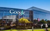 Google zneužíval svoji dominanci na trhu a ovlivňoval výsledky vyhledávání. Nyní musí zaplatit 2,4 miliardy eur