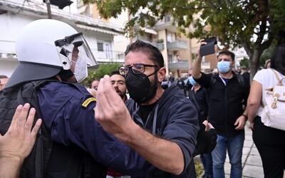 Grécki neonacisti zbili v poslednom týždni za bieleho dňa dvakrát ľavicových aktivistov