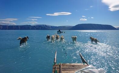 Grónsko sa topí rýchlejšie. Za jeden deň zmizlo toľko ton ľadu, akoby sme 33-krát vypustili Zemplínsku šíravu