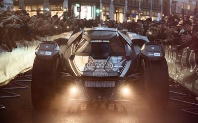 Gumball 3000 a jeho tajemný Batmobil. Co skrývá ve svých útrobách a proč skončil na odtahovce?