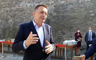 Guvernér národnej banky Peter Kažimír si kúpil vilu na Slavíne za 2 milióny