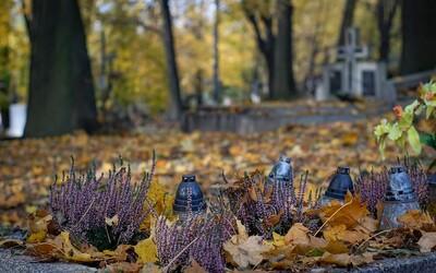 Halloween se u nás neslaví: V Česku máme svátek Všech svatých a Památku zemřelých, svátky jinak známé jako Dušičky