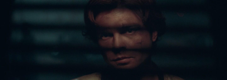 Han Solo, Chewie a ďalšie kľúčové postavy očakávaného Star Wars spin-offu boli zvečnené na skutočne vydarených plagátoch