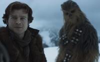 Han Solo nás v plnohodnotnom predĺženom traileri baví ďalšou hviezdnou akciou, v ktorej nebudú chýbať ani gigantické mimozemské monštrá