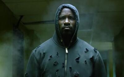 Harlemský neprůstřelný hrdina Luke Cage láme kosti v úchvatném traileru pro nový seriál od Netflixu