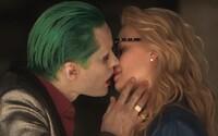 Harley Quinn naháňa Jokera v nových akčných ukážkach z predĺženej verzie Suicide Squad