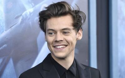 Harry Styles si na tripe odhryzol kus jazyka. One Direction sa ešte môže vrátiť, prezradil spevák v rozhovore