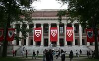 Harvard zrušil aspoň 10 študentom prijatie na univerzitu za urážlivé meme obrázky. Svoju budúcnosť si pokazili aj kvôli čiernemu humoru