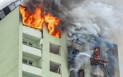 Hasiči definitivně zlikvidovali požár v prešovském paneláku, kde explodoval plyn
