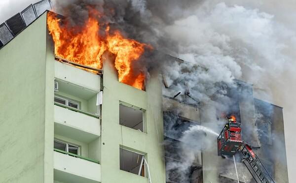 Hasiči definitívne zlikvidovali požiar v prešovskom paneláku, kde explodoval plyn