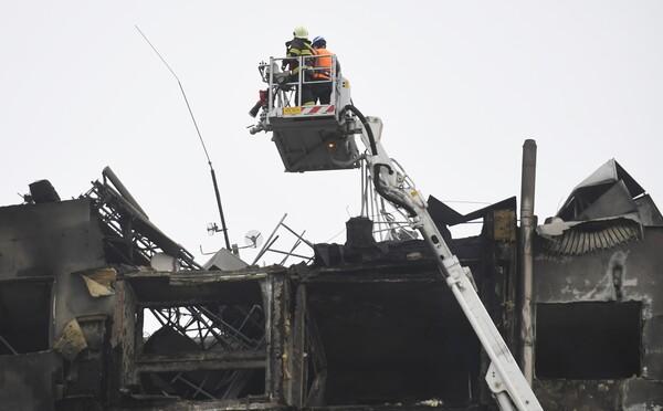 Hasiči ukončujú požiarne práce v zničenej bytovke v Prešove. Krízový štáb skončil, ôsme telo nebolo stále nájdené