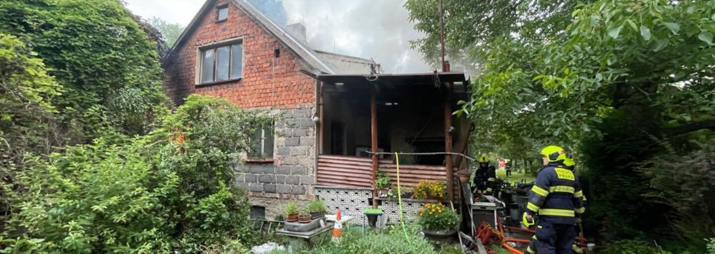 Hasiči v Praze zasahovali při požáru v Dubči. Uvnitř našli ohořelé lidské torzo